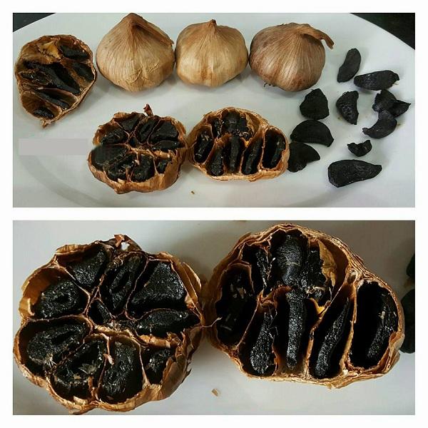 Hòa bột mì vào nước sau đó giã tỏi đen trộn khử mùi sơn mới