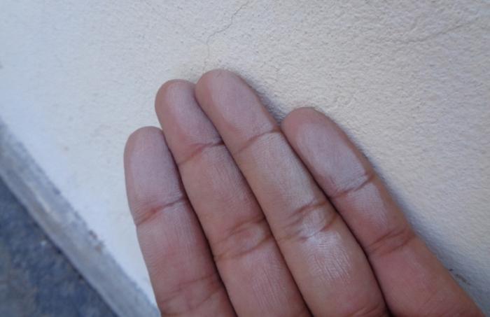 Phấn hóa khi thi công sơn nhà